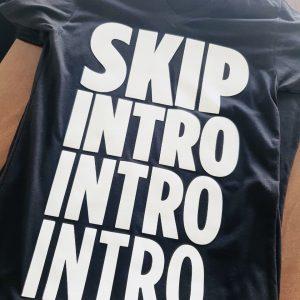 Skip intro- camiseta